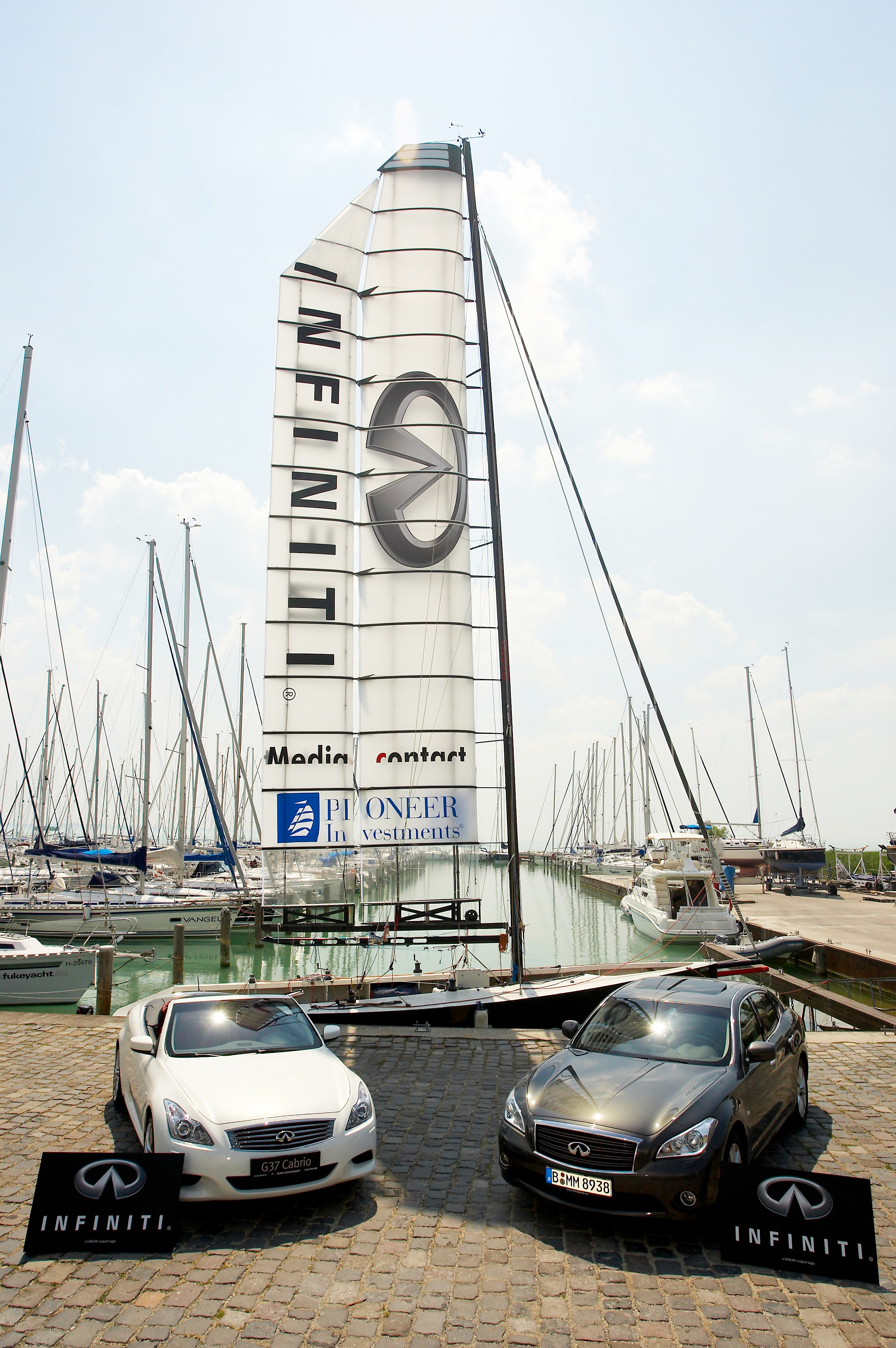 Infiniti Media Blog G37 Clock Sailing Wing 1