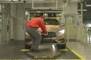 Infiniti Q30 Production (B-roll - Short)